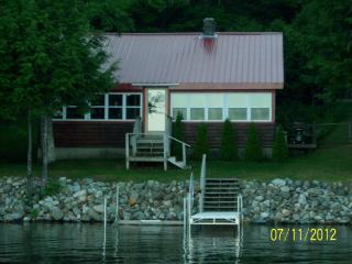 Pleasant Pond Waterfront Rental, Island Falls