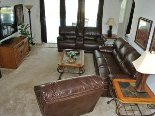 5 Bed/5 Bath-NEW Theatre room with 125' SCREEN!!, Haines City