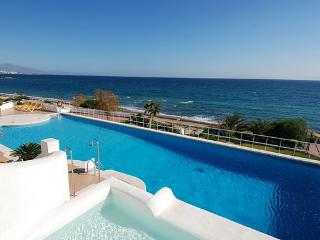 Lush gardens, Front line, Beach, Large terrace, Modern, 2 bed, 2 bath, Sleeps 5