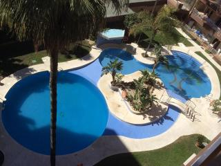 Lovely Palm Beach Apartment with shared pool, in Los Boliches, Fuengirola