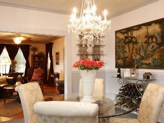 Relax! Luxury Suite w/ Beautiful Views, Saint Helens
