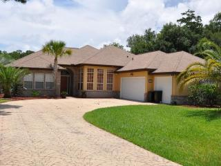 Lake Front Pool/Spa Home Overlooking a Golf Course, Palm Coast