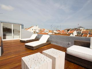 an amazing terrace to relax, have a drink or sunbath in the comfortable longchairs