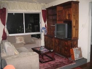 Sala com tv e dvd