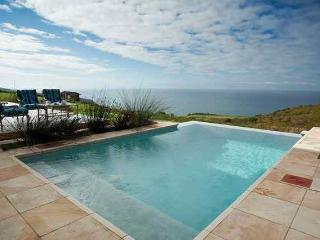 Knysna self catering home with pool on golf course