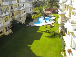 Luxury 1 Bedroom Penthouse Apartment with 2 Balconies & Shared Swimming Pool