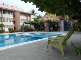 Condo whit pool in down town Bahias Huatulco, Woodston