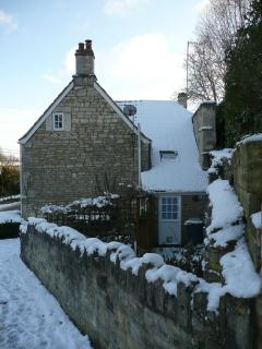 lock view cottage in the snow