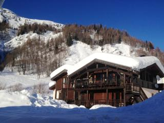 Chalet Seracs (sleeps 20, more by arrangement)
