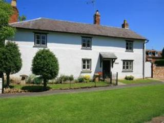 Elmhurst Cottage, spacious Cotswolds' home for 8., Stratford-upon-Avon