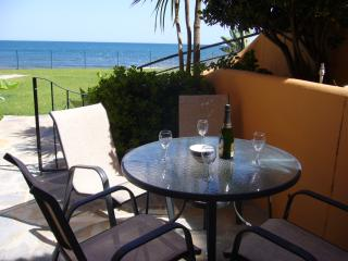 Riviera Andaluza Beachfront Apartment, Estepona