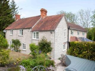 Delford Cottage nr Bath, Salisbury and Stonehenge