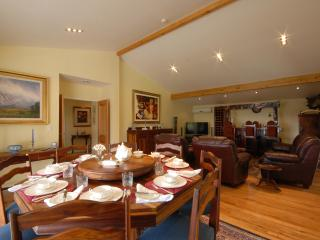 Luxury Accommodation  Bay of Islands New Zealand with excellent views.
