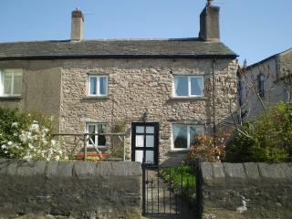 Hill View Cottage, Burton in Kendal