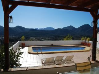 Cinco Cipreses, Sleeps 6, Outstanding Views, Jalon