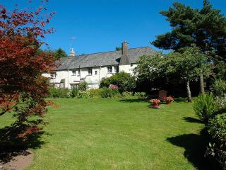 Westcott Barton Farm House & Cottage, Barnstaple