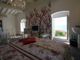 Deluxe Fischerhouse La Marina, for 4 persons, only 80 mt from the beach