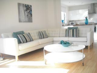 Luxury Waterfront Apartment(b), Edinburgh