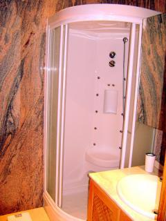 Shower with Hydro Massage