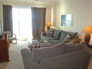 Beautiful 2 Bedroom 2 Bath condo with a Bonus Room perfect for families!