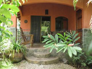 Casita Si Si Si bungalow in boutique B&B pool gym