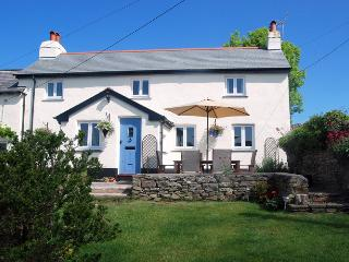 GEORGEHAM SUNSHINE COTTAGE, Croyde