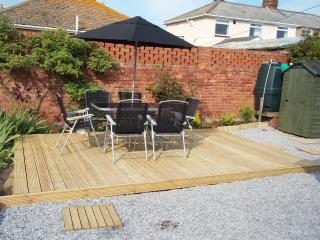 Private fully enclosed garden 1