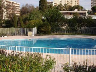 Riviera Park: Holiday apartment rental with pool, 5 minutes from the beach in Antibes, Juan-les-Pins