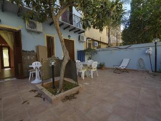 Casa Maria - low budget apt. for max 4 persons, Santa Flavia