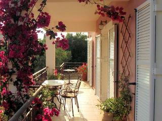 Villa Areti-three bedroom villa with pool near Trapezaki, Kefalonia.