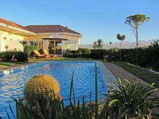 Somerset Sights B&B - Breathtaking Seaview, Somerset West