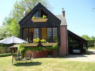La Maison Rose-romantic cottage in Indre region, La Châtre-Nohant