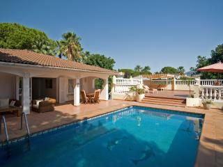 Villa Josephine: 5 bed villa nr Banus-Heated pool, Puerto Banus