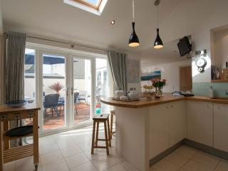 Ridgeback House Luxury Home, Mullion