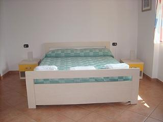 Mezzegra Villa Sleeps 6 with Pool and WiFi - 5228673