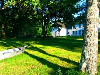 Near Lake Winnipesaukee Room Rentals, New Durham