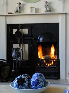 Babingtons Cottage Victorian Range Fireplace in Lounge 2 for Logs or Coal
