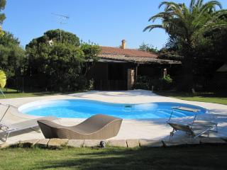 Charming Villa, pool, sea side, Santa Margherita di Pula