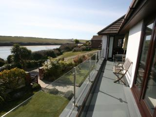 10 m long south facing balcony with panoramic views across the estuary.