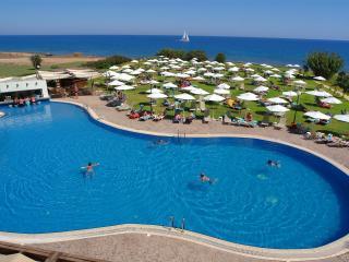 Seaside apart w/hotel facility, Protaras