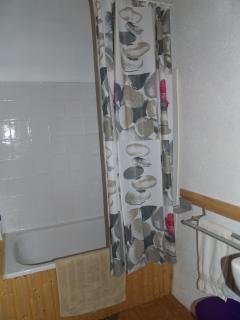 second/kids bathroom