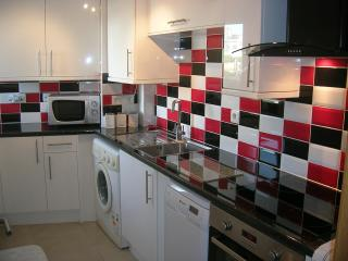 !!NEW FITTED KITCHEN!!