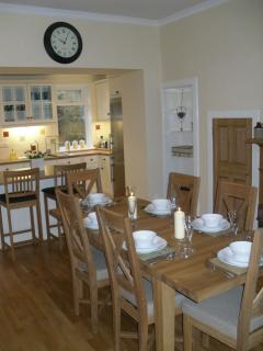 Plenty seating in the dining kitchen