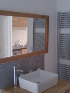L'Appartement Bathroom
