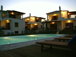 HOLIDAY VILLA WITH SWIMMING POOL IN PORTO HELI