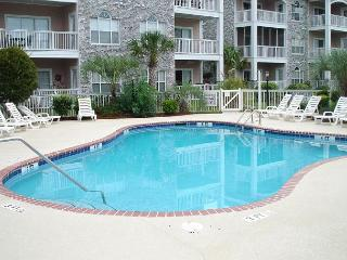 Very Nice Condo,  Great for golf or beach vacations! - Magnolia Place L201, Myrtle Beach