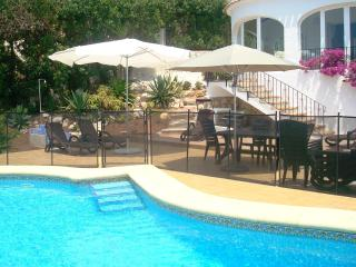 Peaceful & Private 4 Bed Villa + WOW Sea Views + WIFI + UK TV + Air Con