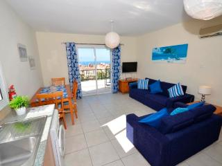 Apartment Lara beach apartment with roof terrace, Peyia