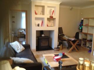 Snug complete with wood burner, office area,  27 iMAC, laser printer and Broadband WiFi throughtout