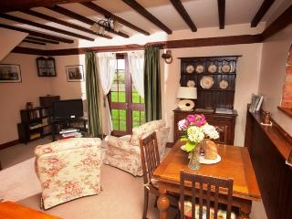 Hall Farm Cottages, Grooms, Sedgeberrow